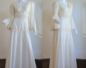 4d09121182c Divine 1970s Cream Cotton   Lace Boho Wedding Gown By Ryan Keith California