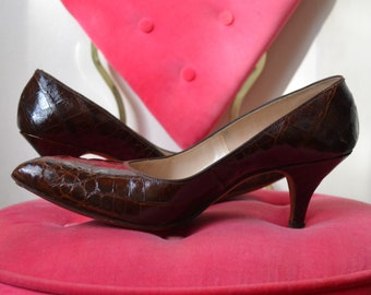 d39fb3c2f9e 1950s Troylings Alligator Pumps with Pointy Toe Size 5.5