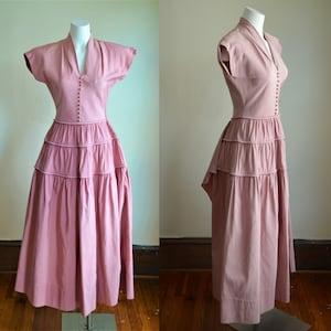 1940s Classic Aqua /& Cream Herringbone Skirt Suit With Huge Shoulder Pads