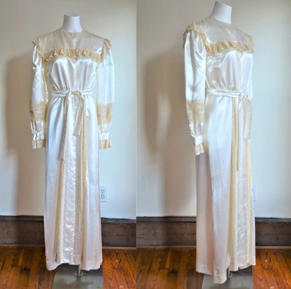 1940s Cream Satin and Lace Bridal Peignoir & Gown