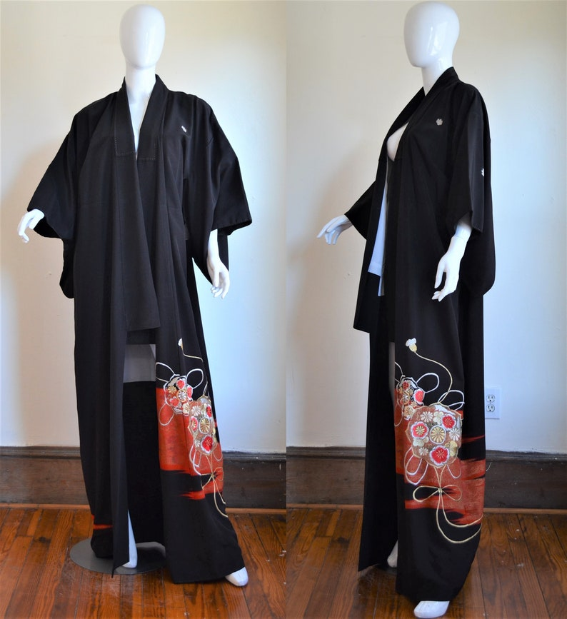 203362464 Showa Era Kuro-Tomesode Kimono With Gold Silver & Red | Etsy