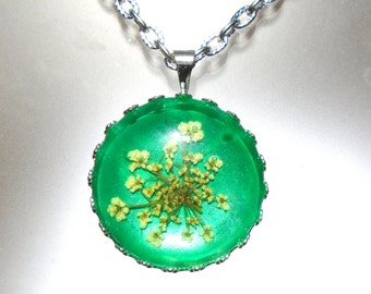 Real Pressed Flower Queen Annes Lace Green Pendant