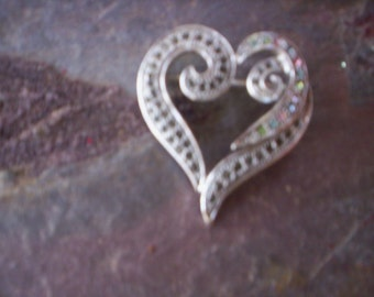 Vintage metal brooch/Sliver brooch/Sliver Heart with rhinestone brooch/Morthers day Brooch pin/Vintage brooch jewelry/Valentins day brooch