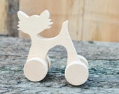 Figurine - The cat on wheels - 110 mm - made from eco-friendly alder-tree, removable wheels