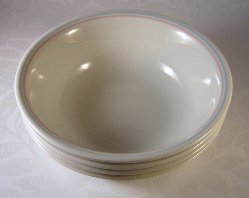 corelle English Breakfast bowls set of 4 bowls in EXCELLENT CONDTION ceral salad soup