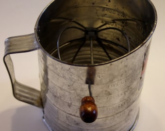 Bromwell's Measuring Sifter - 5 Cup Made in USA - Vintage Housewares, Flour Sifter, Vintage Decor