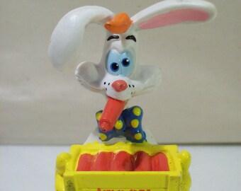 Vintage Looney Tunes Bugs Bunny Easter PVC Figure by Applause Warner Bros 1994