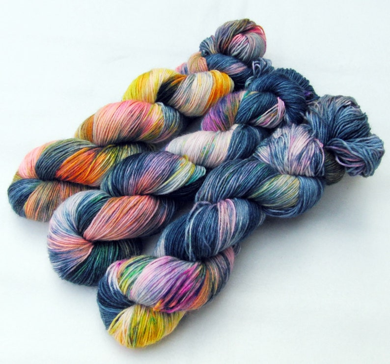 SockYarn handdyed  75 Wool 25 Polyamid 100g 3.5 oz. Nr. A675 image 0