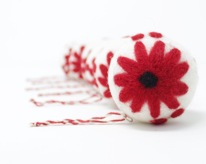 Felt Wool White Daisy Balls - Pack of 6 Christmas Tree Ornaments - Handmade from Eco-friendly dyes -100% Wool - Fair Trade Certified™ Gifts