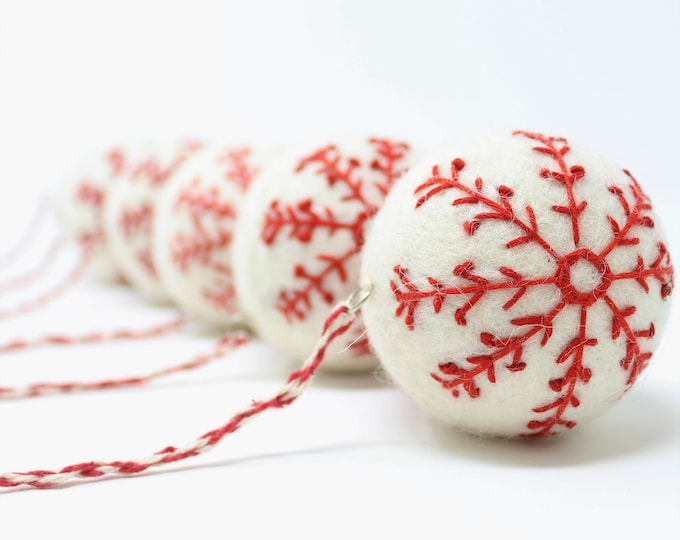 Felt Wool White Ball Star- Pack of 6 Christmas Tree Ornaments - Handmade from Eco-friendly dyes and 100% Wool - Fair Trade Certified™