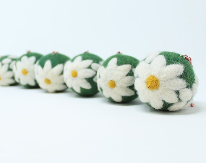 Felt Wool Green Daisy Balls - Pack of 6 Christmas Tree Ornaments - Handmade from Eco-friendly dyes -100% Wool - Fair Trade Certified™ Gifts