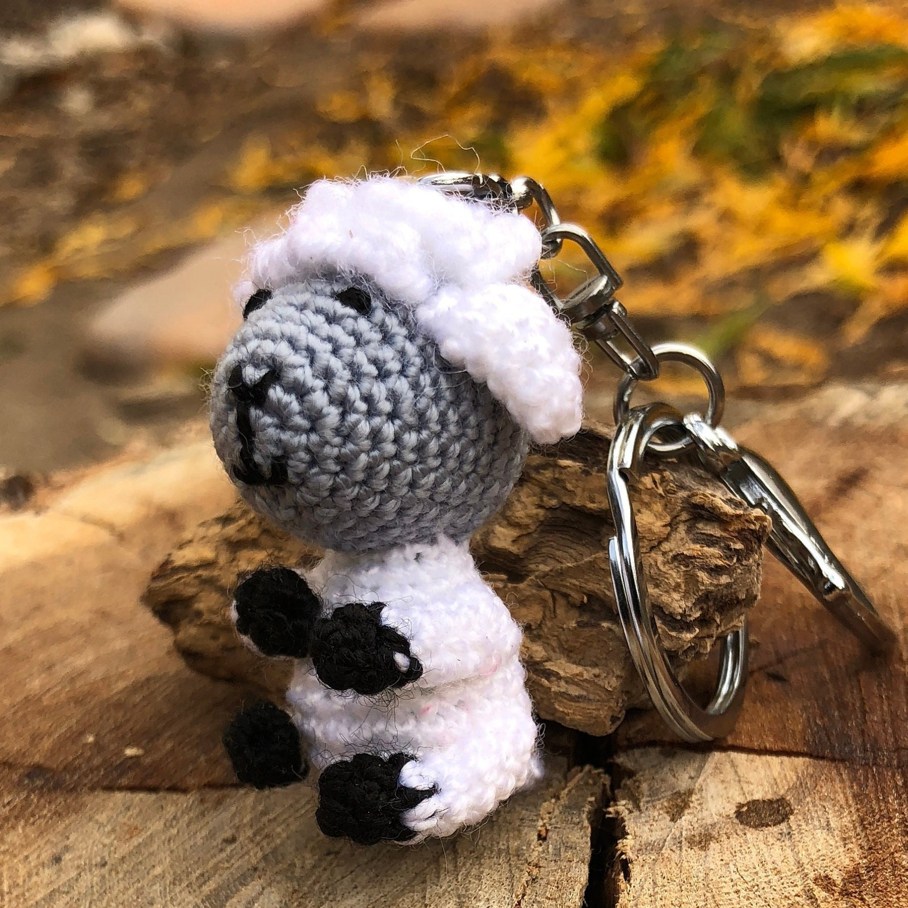 Sheep keychain – free crochet pattern | Crochet sheep, Free ... | 1810x1810
