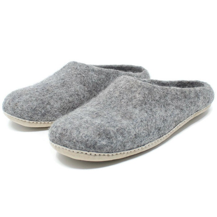 Men's Felted Wool Moccasin Slippers