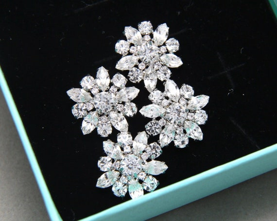 6 Pieces Beautiful Silver Rhinestone Crystal  Flower Shank Buttons Craft Sewing