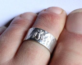 Silver Toe Ring Bee Motif Nature Jewellery in Sterling Silver