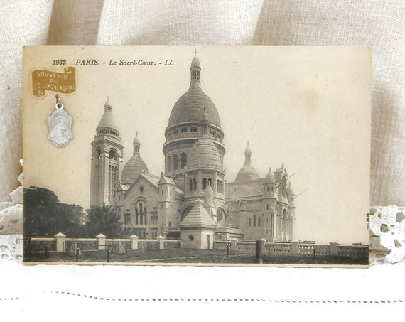 Antique French Black and White Postcard View of Sacre Coeur de Montmartre Paris with Religious Medal of Jesus Christ, Retro Catholic Charm