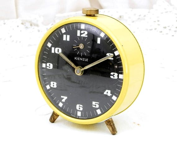 Working Vintage Mid Century Yellow and Black Mechanical Wind-Up Alarm Clock Made in Germany by Kienzle, Retro 1960s Bed Side Clock
