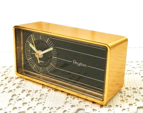 Vintage 1970s Working Gold Rectangular Bed Side Alarm Clock by Rhythm made of Metal in Japan, Retro 70s Golden Battery Quartz Time Piece