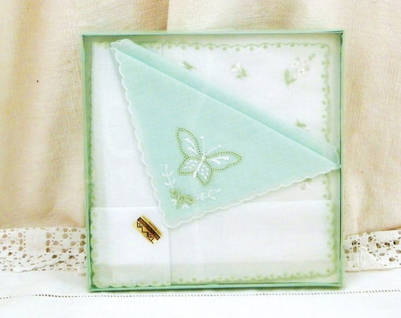 Vintage Unused Boxed 2  Pale Green and White Cotton Handkerchiefs Embroidered with Butterfly and Flowers Made in Switzerland, Swiss Hankies