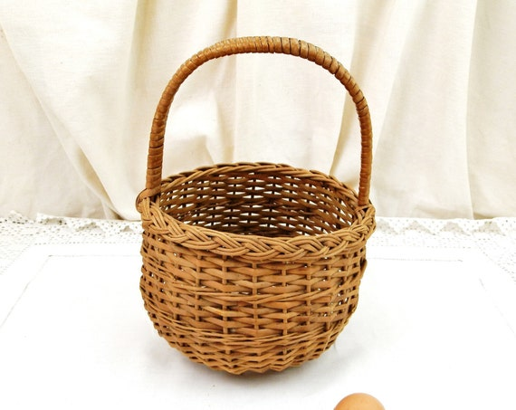 Vintage French Woven Wicker Round Basket with Top Handle, Retro Shabby Chateau Chic Basketware from France, Country Farmhouse Cottage Decor