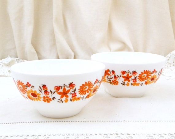 2 Vintage White Milk Glass French Coffee Bowls. Pair Arcopal Bowl with Orange Flower Pattern from France, 1960s / 1970s Retro Kitchenware