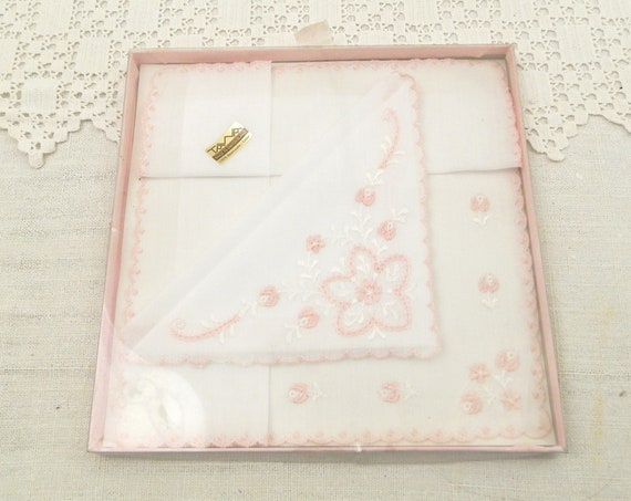 Vintage Unused Boxed 2 Pink and White Cotton Handkerchiefs with Embroidered Flowers Pattern Made in Switzerland, Retro Swiss Hankies