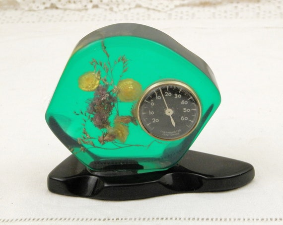 Vintage Mid Century 1960s Decorative Thermometer in Green Transparent Resin with Dried Flowers, Novelty 1970 Retro Temperature Instrument