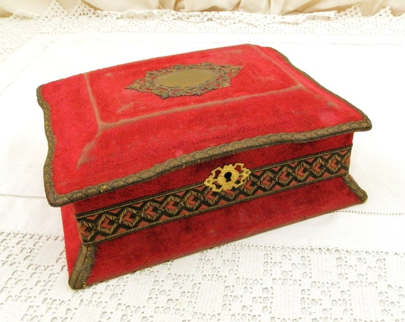 Antique French Red Velvet Jewelry Box, Retro Sewing Container made of Maroon and Pink Fabric from France, Old Vintage Boudoir Accessory