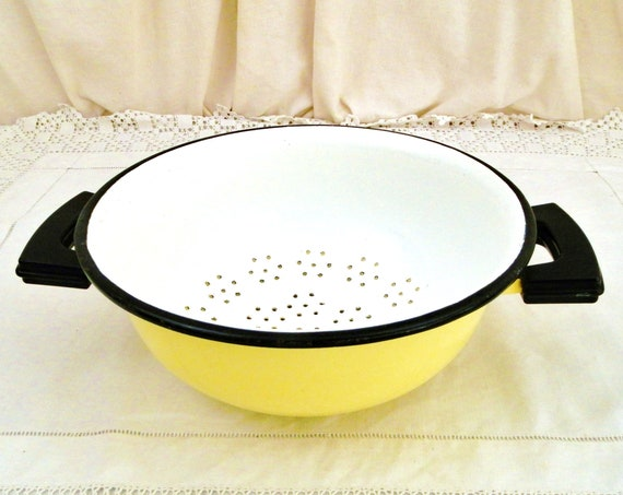 Vintage 1960s Mid Century French Yellow and White Enamelware Strainer with 2 Black Handles, Retro 1960s Enamel Colander Aubecq France