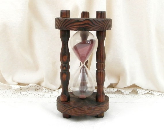 Large Vintage French Oak Wood and Glass 1960s Sand Timer with Pink Sand, Big Retro 60s Kitchen Egg Timer, Old Wooden Hour Glass from France