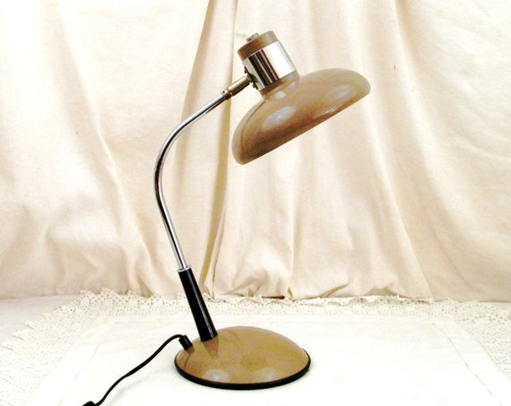 Large Vintage 1980s French Desk Lamp with Wide Articulated Shade in Café au Lait Brown Metal and Chrome, Retro Office Lighting from France