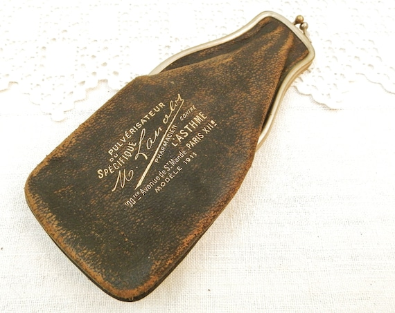 Antique French Leather Pouch with Metal Snap Clasp for Asthma Pulverizer from 1911 Paris, Vintage Medical Collectible Item from France