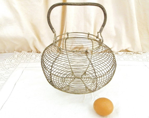 Antique French Wire Ware Country Farmhouse Egg Basket, Vintage Kitchen Salad Strainer made of Metal from France, Rural Cottage Home Decor