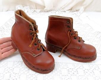 07368bcf41942 Ancien Français traditionnel utilisé et l enfant en cuir chaussures en bois  « Gardien »