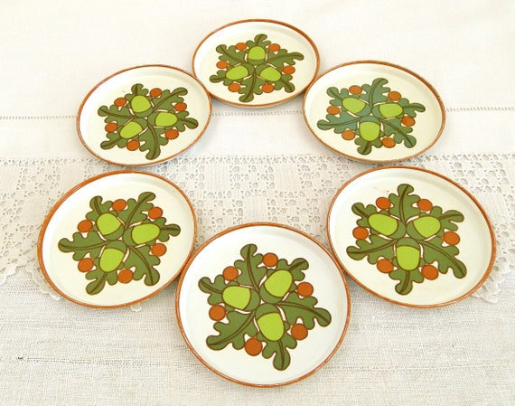 6 Vintage 1970s Metal Drinkers Coasters with Acorn Pattern, Retro 70s Barware with Oak Tree Motif, Flea Market Party Accessory from France