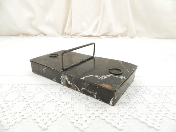 Vintage French Black Metal Artist's Box with Folding Handle and 2 Compartments, Retro Color Tin for Painters from France, Art Equipment