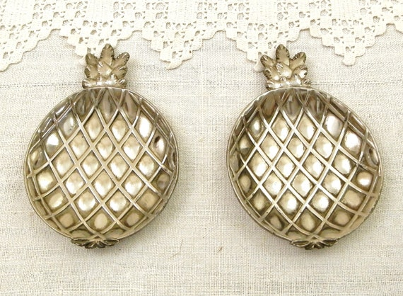 Pair of Matching Vintage Pineapple Ashtrays in Silver Colored Metal from France, 2 Retro 1970s French Fruit Themed Nibbles / Ring Dish,
