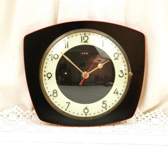 Working Vintage French 1960s Mid Century Modern Black Formica Wall Hanging Clock with Glow in the Dark Dial, Retro Fosforescente Time Piece