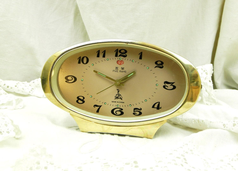 Working vintage mechanical Alarm Clock Yellow alarm clock vintage Table Clock for Home Decor