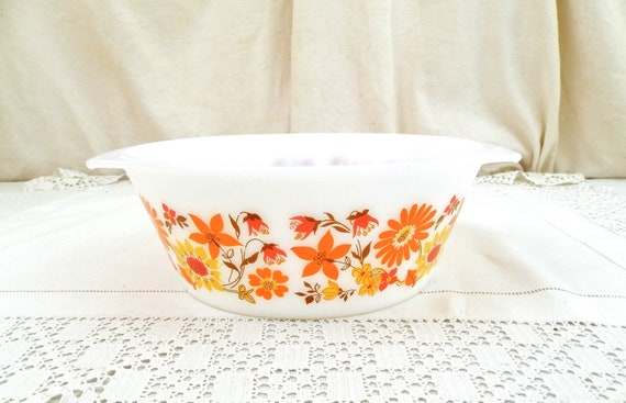 Large Vintage Mid Century French White Milk Glass Arcopal Oven Dish with Orange Flower Pattern, Big Retro 1970s Salad Bowl from France