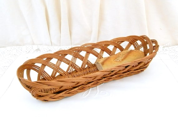 Vintage 1960s Mid Century Woven Wicker Baguette Bread Basket, Table Ware from France, Rustic Farmhouse Country Decor, Retro 1960s Brocante
