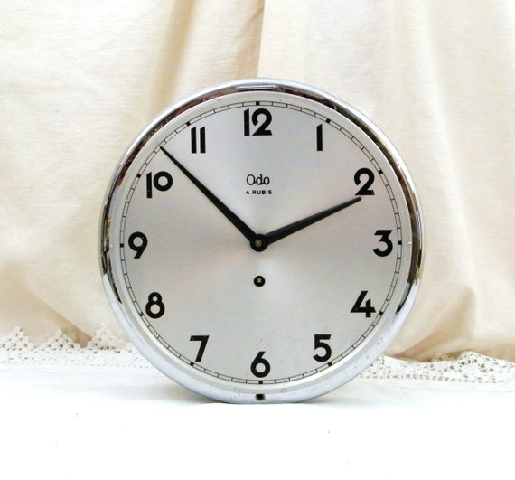 Large Working Vintage 1950s French Mechanical 4 Rubies Round Chromed Metal Wall Clock with Winding Key by Odo, 50s Silver Circular Timepiece