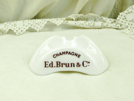 Vintage White Milk Glass 1960s Mid Century Champagne House Ed.Brun & Cie Ashtray, 60s Collectible Ash Tray from France, Retro  Tobacciana