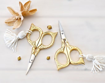 Owl Eye Embroidery Scissors - Small Scissors- Gold Shears - Gold Owl Scissors with Tassel - Gold Vintage Scissors - Owl Snips - Gold Snips