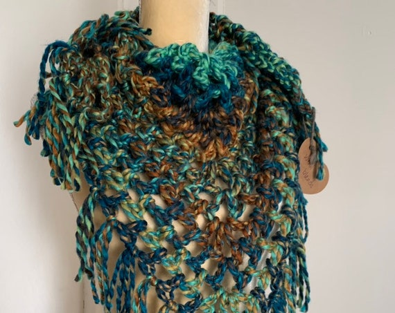 CUSTOM Crochet Bulky Triangle Scarf With Fringe // Chunky Bandana Cowl // Wool Blend