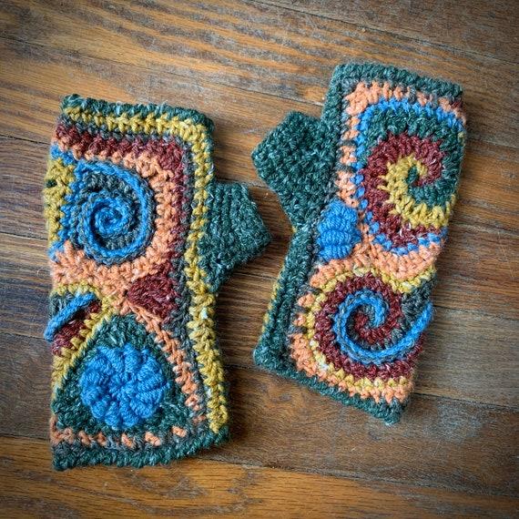 Freeform crochet fingerless gloves