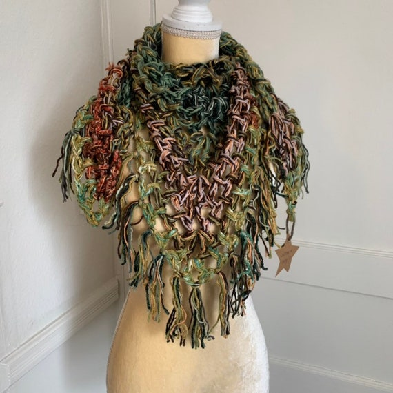 Scrappy Scarf With Fringe // Chunky Bandana Cowl // Cotton