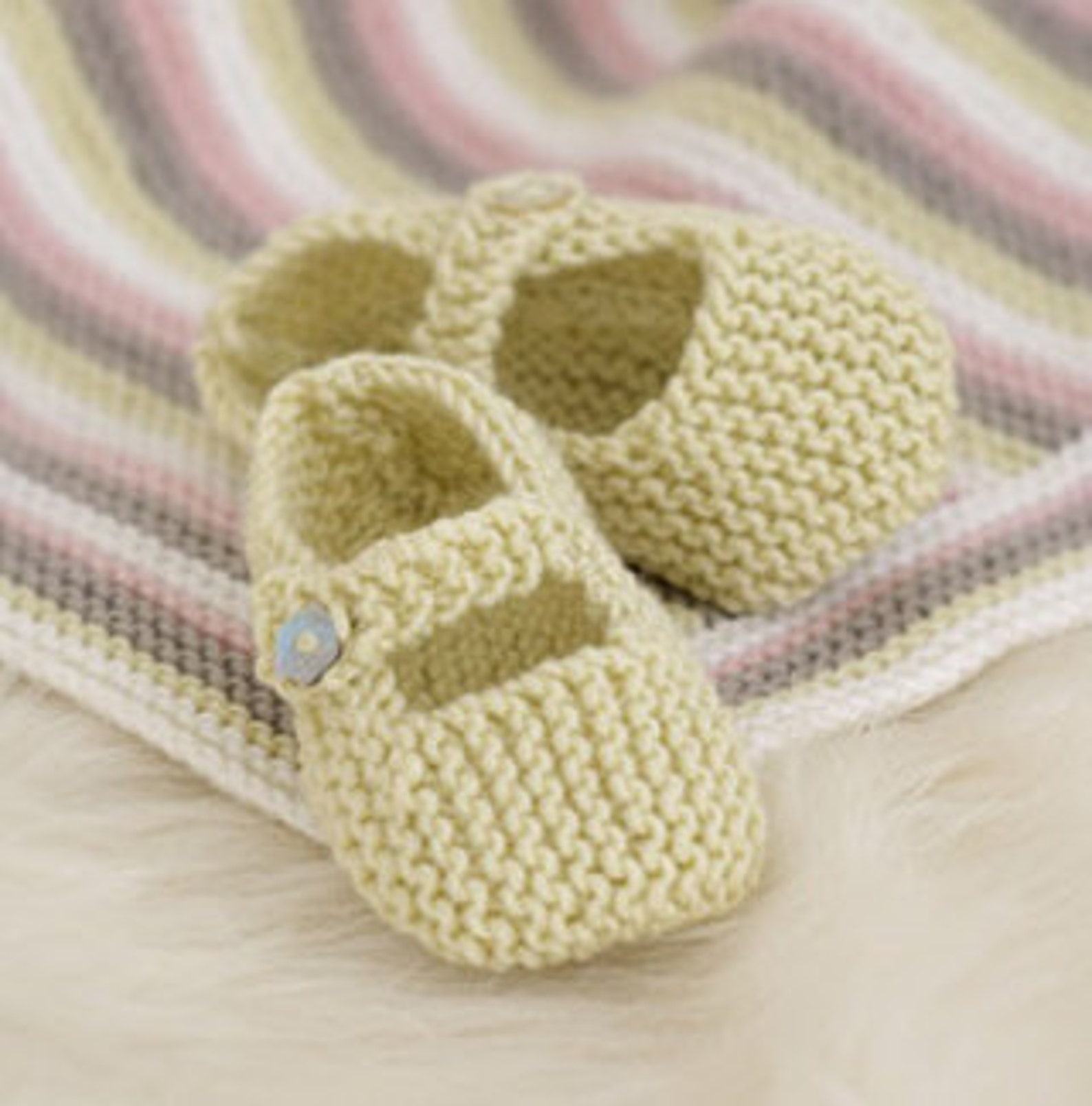 baby knitting pattern for baby shoes . mary jane / t bar / ballet pumps dk yarn birth /12m boys girls