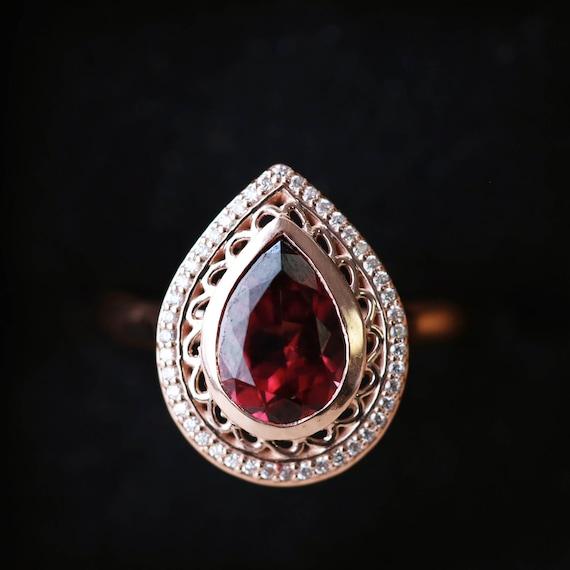14k Gold Verlobungsring Mit Granat Und Diamant Halo Staghead Etsy