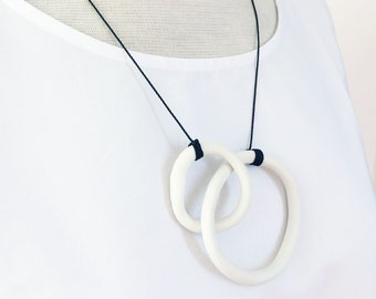 Minimalist porcelain necklace with hoops - white porcelain circle necklace - interlocking circles - modern ceramic jewelry - gift for her